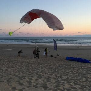 Saut en Parachute à Bordeaux Plage