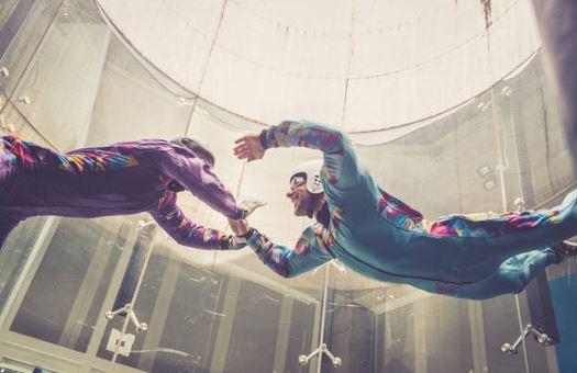 Essayer la soufflerie avant un saut en parachute