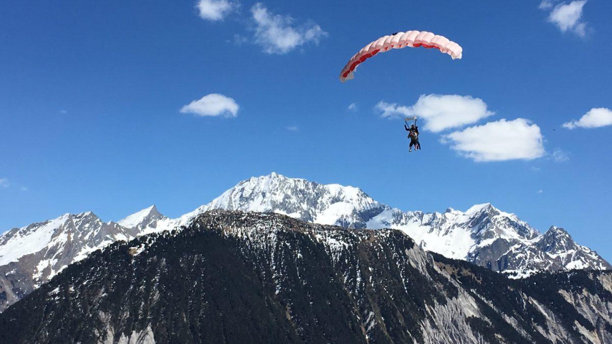Utiliser son bon cadeau pour sauter en parachute